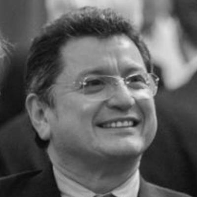 Carlos Vazquez Ochoa headshot
